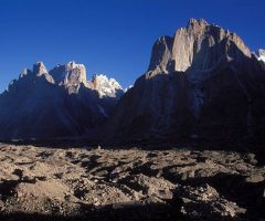 trango-group-on-the-way-to-broad-peak-base-camp
