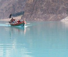 31-attabad-lake-near-hunza