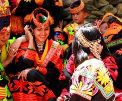 41-kalash-women-in-traditional-dress