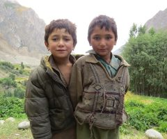 cute-kids-at-hushe-valley