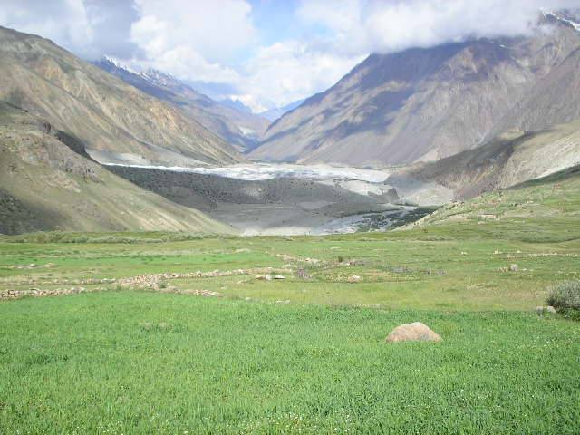 yarkhun-valley-from-chikar